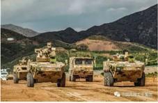 包头突遇特大洪灾 工厂冲出一队崭新装甲战车驰援