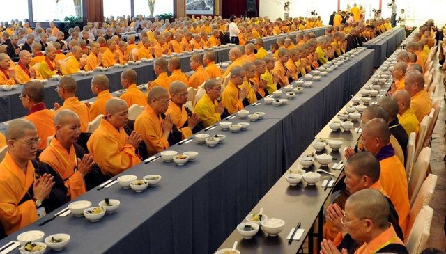 索达吉堪布:供僧产生的福报这辈子就能看到 - 清 雅 - 清     雅博客