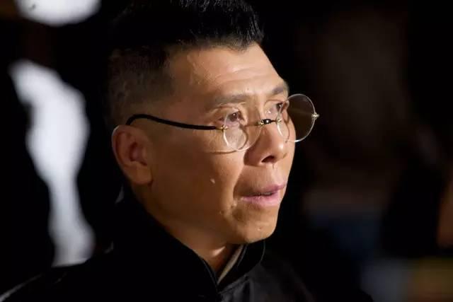 冯小刚:吃素 就是爱自己