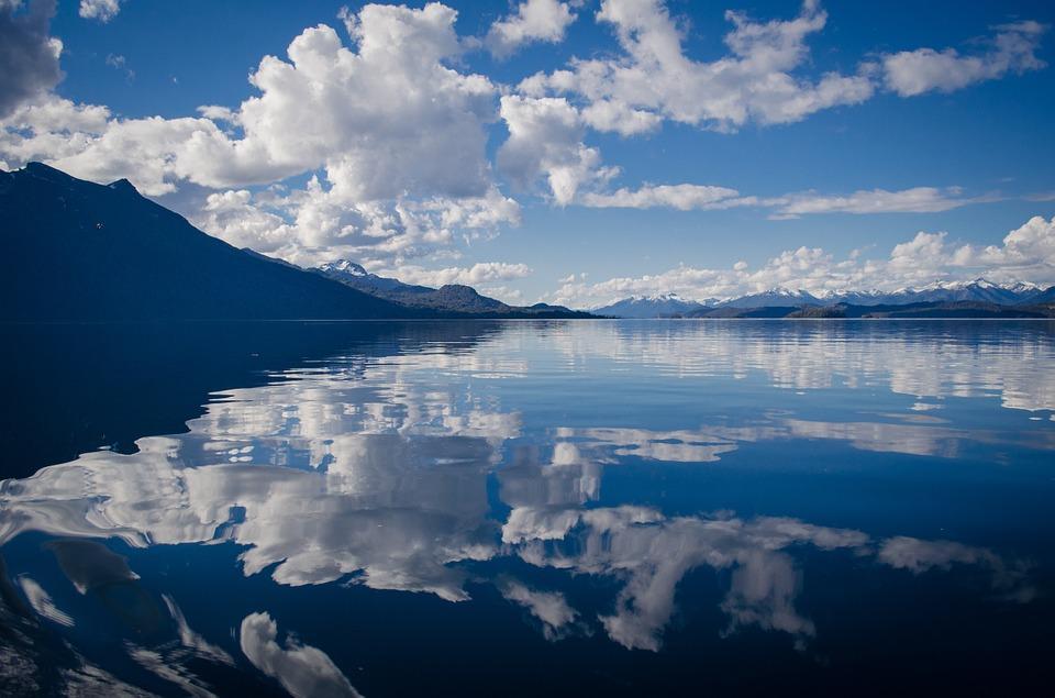 庄子说,每个修道人的心都是一面铜镜