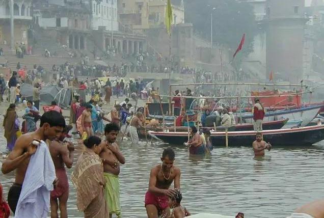 瓦拉纳西:恒河沐浴