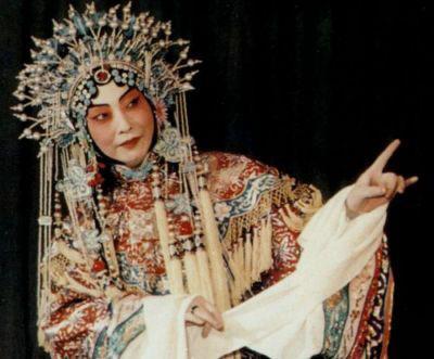 女人为啥唱不好京剧 舞台上的男旦反串艺术