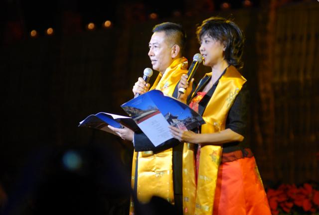 任志宏、朱琳参加音乐会演出