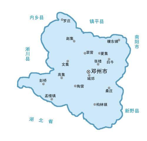 陕三省交界,西依秦岭