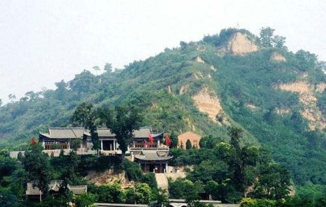 这座山是仙境的最佳诠释 马丹阳祖师也曾在此修道