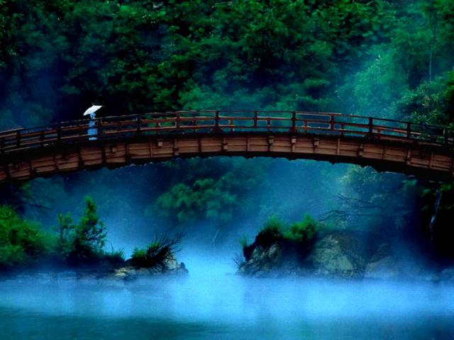 回去的路上,魂魄在游行:重温余光中道教题材诗歌《中元夜》