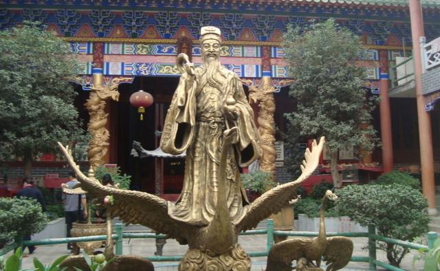 潘茂名像(资料图)