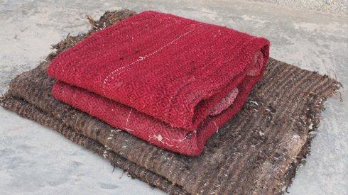 停摆30年的旧织机,编织着他由乡入城的一路颠簸
