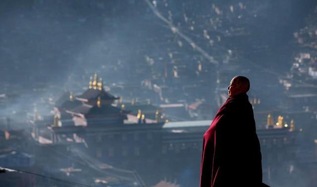 多识仁波切:佛教徒应该拜什么样的上师