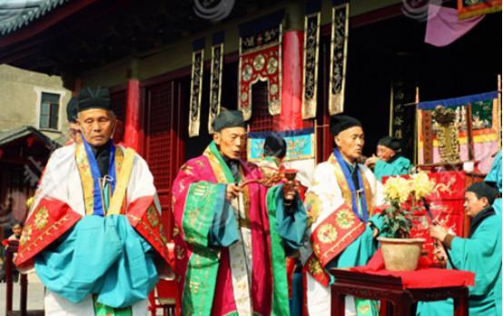 从两件珍贵的道教文物谈起:张恩溥与江南道教