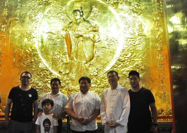 台湾大甲镇澜宫颜清标一行参访上海城隍庙