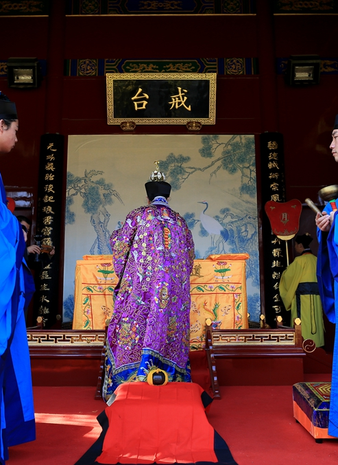 组图:武汉长春观传戒活动——传授衣钵科