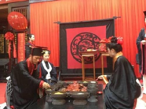 """都江堰文庙举行""""传统士昏礼"""" 传承传统文化"""