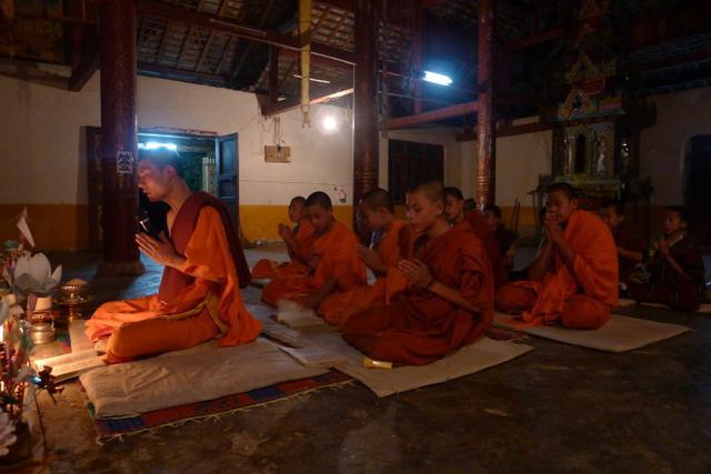 走近傣家人的佛教生活:从生到死都与佛教有关
