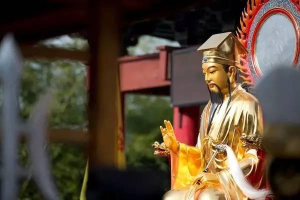 华人中最耳熟能详的神仙:吕洞宾今天过生日啦