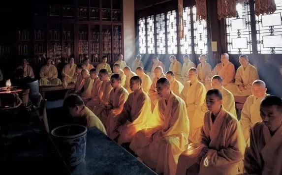 佛教公案:一个漂亮少女闯进了禅堂