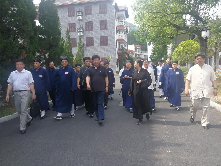 河北省道教学院师生一行参访南岳坤道学院