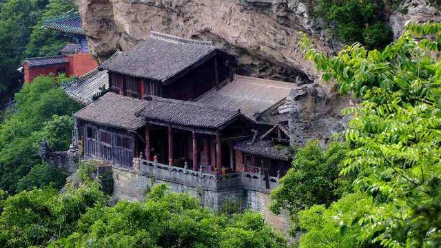 探秘武当山五龙形象:中国古代神秘数字的文化内涵