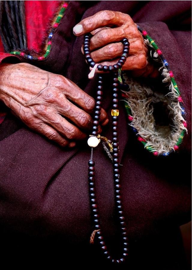 梦参老和尚:佛弟子拿念珠 不是为了装饰