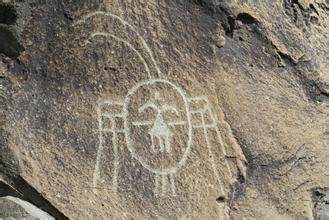 原始社会的大型画展:岩画中的神灵