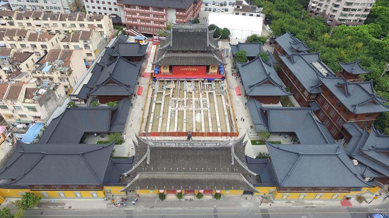 上海玉佛禅寺大雄宝殿平移顶升即位 工程圆满