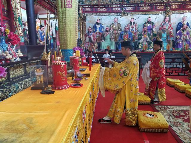 天师府举行祈福法会庆祝中国道协成立60周年