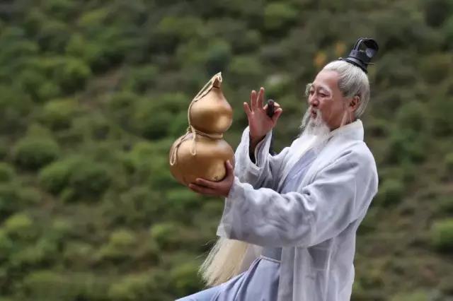 悬壶济世,壶天日月:仙道为什么都随身携带葫芦?