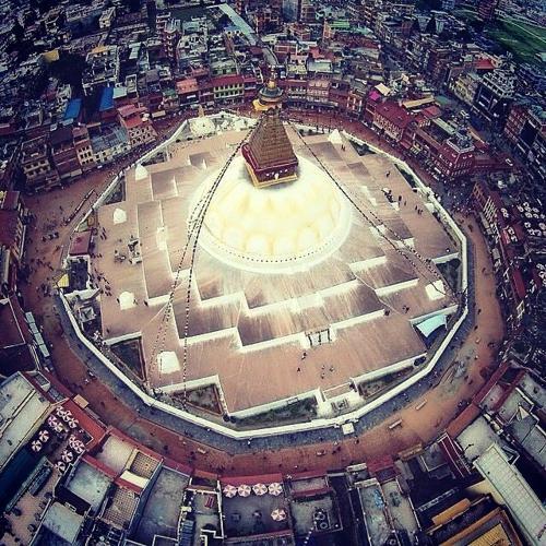 佛陀眼里的微观世界和宏观世界