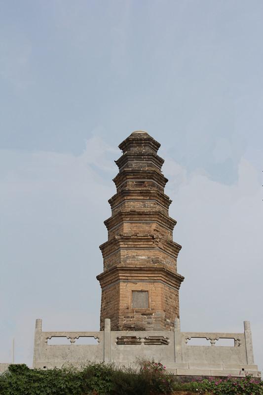 一座塔和一座庙告诉你:出家人没有门户之见