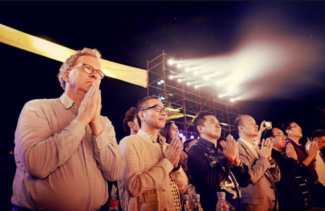 国内外专家学者及四众弟子祈福