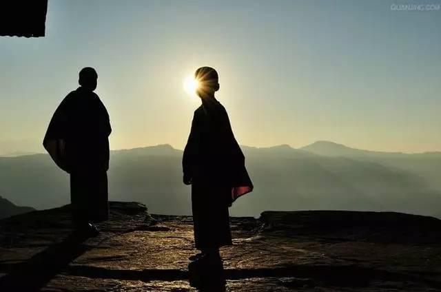 真懂佛的人把庙建在心上 不懂佛的人才把庙建在山上