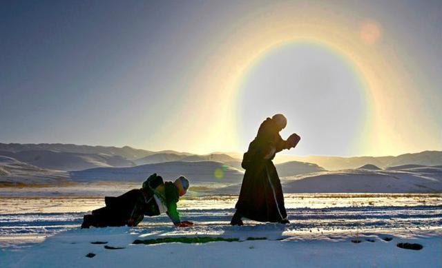 佛教的礼拜仪式绝不简单 蕴含神秘加持力量
