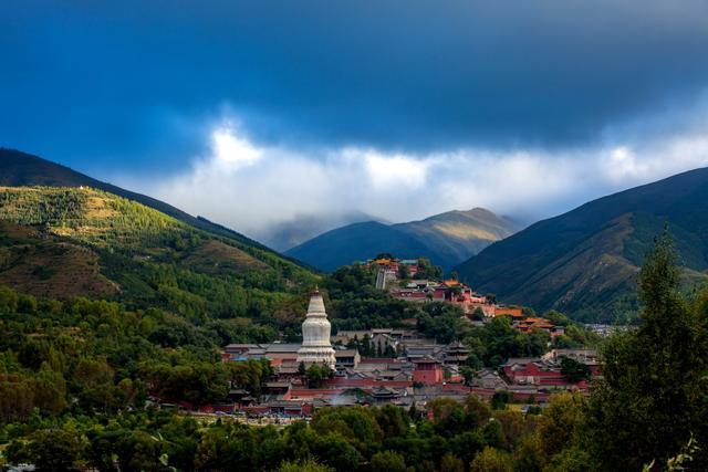 清凉山上:不一样的旅行 不一样的朝圣