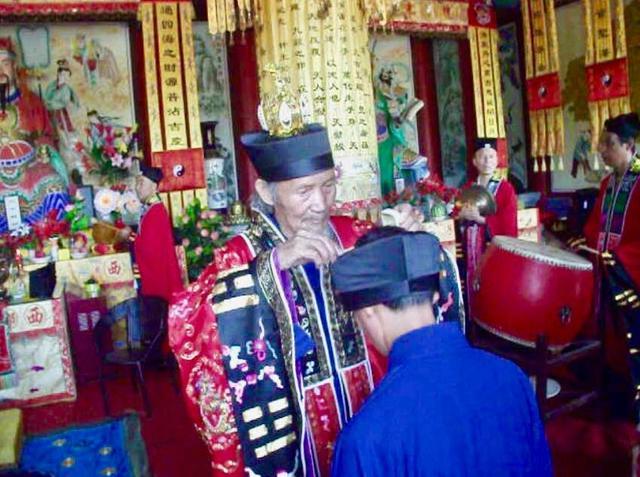 陕西省汉中市西乡县道教协会隆重举行冠巾仪式