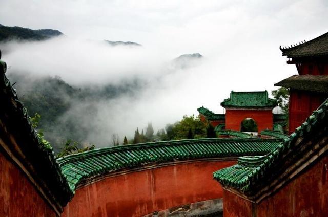 洞天福地好修仙:揭秘陈抟老祖在武当山隐居的故事