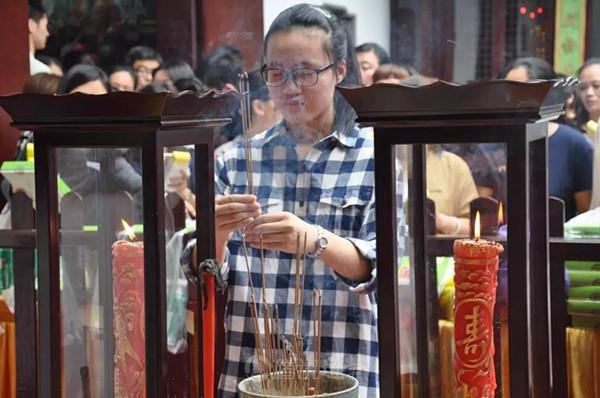 又是一年折桂时,上海城隍庙举行文昌祈愿法会