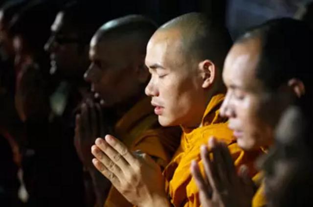 读佛经有这六种功能 千万不要忽略!