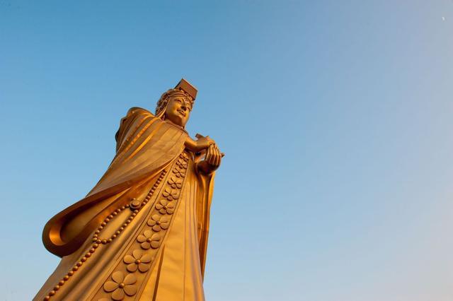 """被""""分裂""""的神格:妈祖宗教属性的历史辩析"""