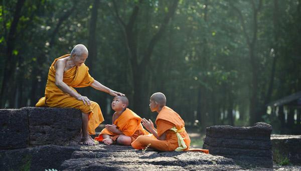 慈诚罗珠堪布:皈依佛 还要皈依僧