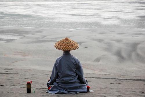 禅修天地:丹霞骑圣僧