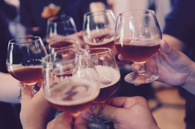 以史为鉴丨警惕变了味儿的酒文化