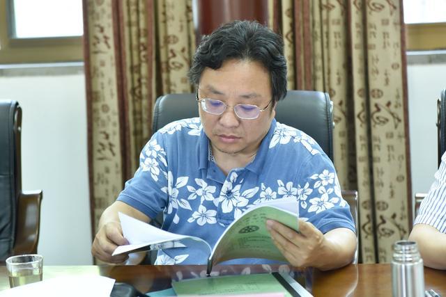 中国佛学院栖霞山分院举行毕业生论文答辩会