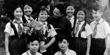 与宋庆龄在一起的孩子们回忆难忘成长岁月