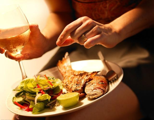 美食与美酒的搭配实例