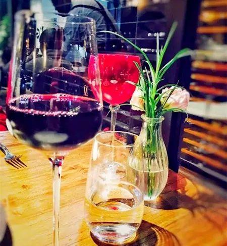 红酒这样喝,招财又养生!