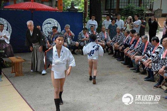 七月去看日本屁股性感祭光夏日节传统穿着做爱的图片