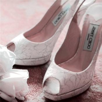 冬季新娘婚鞋的挑选