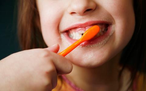 给孩子选牙膏牙刷当心5大误区