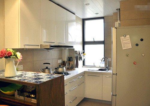 小户型装修福音 五种开放式厨房搭配最省空间