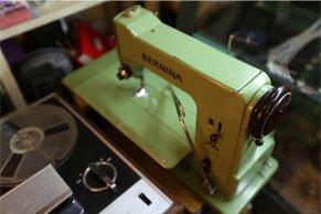 旧式缝纫机